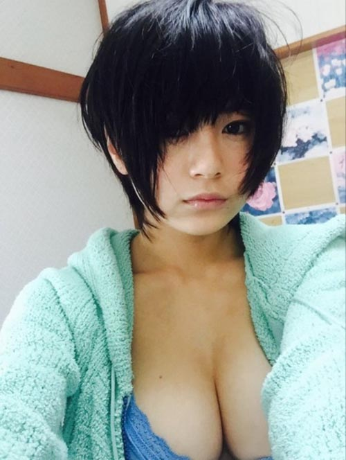 【RaMu(20)のスケベなHカップ乳房はまだ成長中】Vineグラドル!