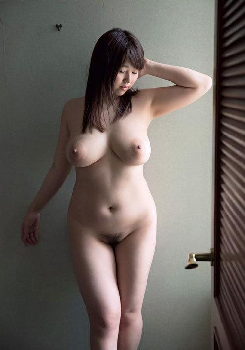 松本菜奈実のIカップ美爆乳おっぱい 32