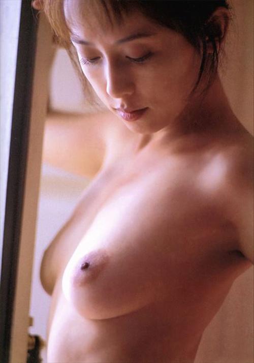 【ヌード画像】亜里香のフルヌード画像…⇒CM子役のおっぱいは乳輪も大きく成長していた…