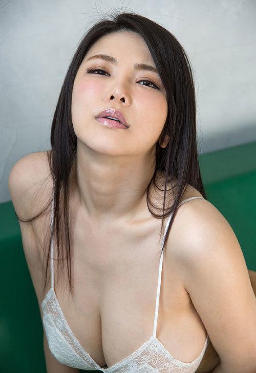 沖田杏梨のLカップ美爆乳おっぱい 7