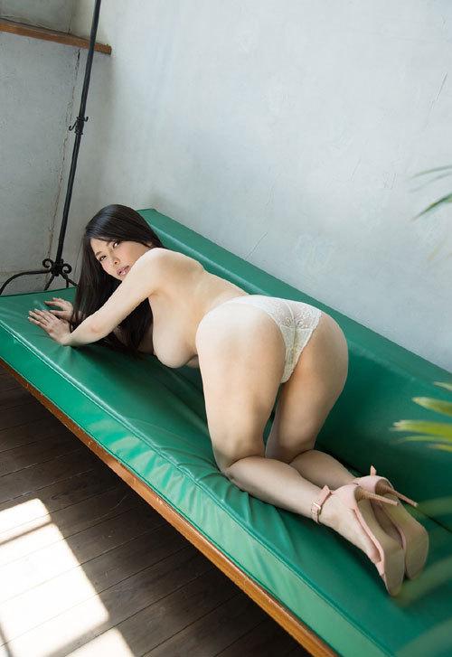 沖田杏梨のLカップ美爆乳おっぱい 12