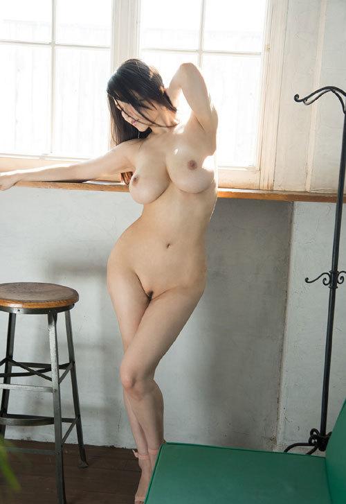 沖田杏梨のLカップ美爆乳おっぱい 17