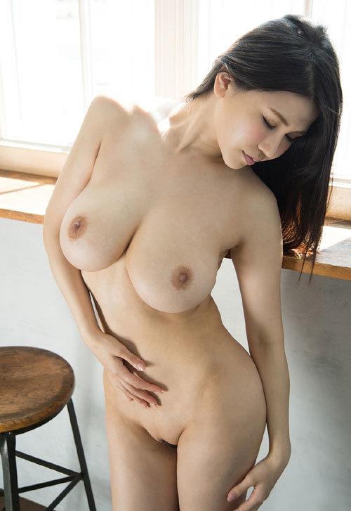 沖田杏梨のLカップ美爆乳おっぱい 18