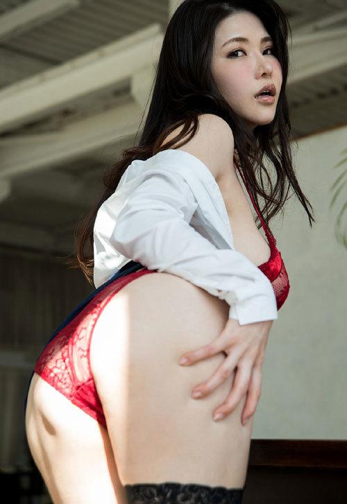 沖田杏梨のLカップ美爆乳おっぱい 22