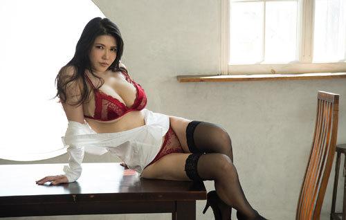 沖田杏梨のLカップ美爆乳おっぱい 23