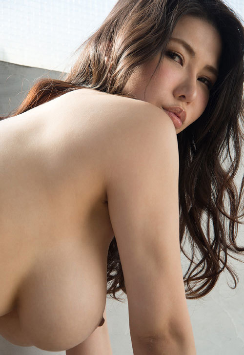 沖田杏梨のLカップ美爆乳おっぱい 46