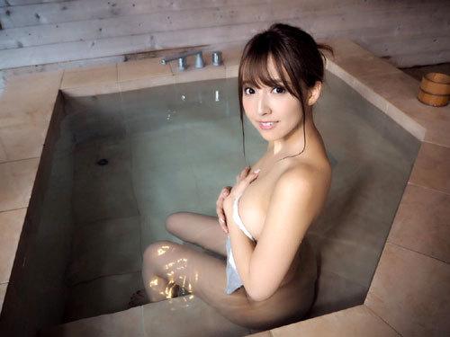 温泉に一緒に入って女の子のおっぱい揉みたい5
