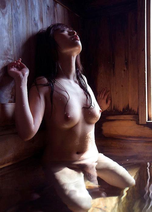 温泉に一緒に入って女の子のおっぱい揉みたい21