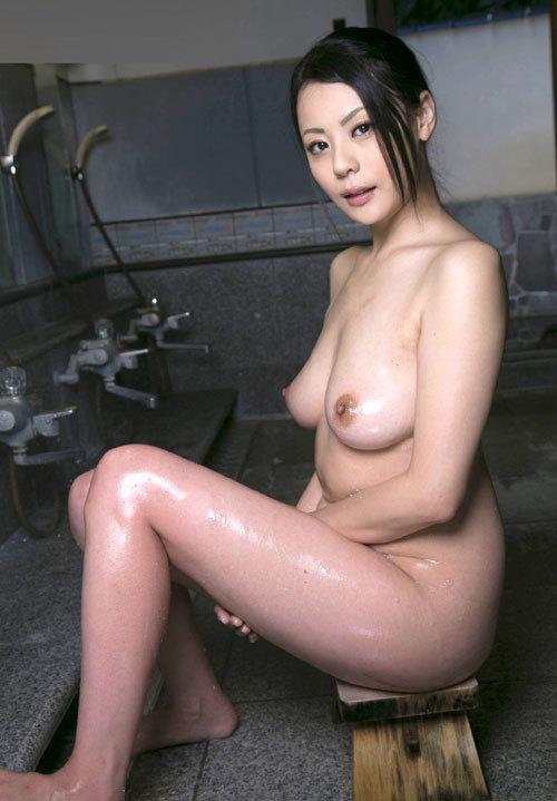 温泉に一緒に入って女の子のおっぱい揉みたい30