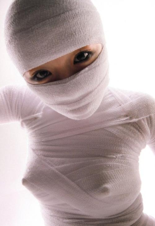 乳とかマンコを包帯やばんそうこで隠して逆にエロさ倍増させてる女たち…(画像30枚)