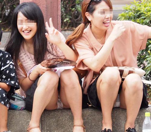 【集合パンチラエロ画像】カメラマンが思わず興奮しながら撮影した女性のパンツwww