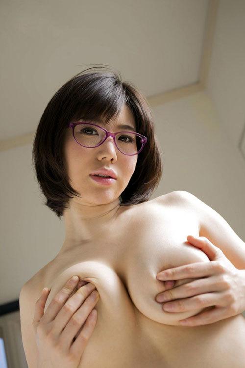 メガネを掛けた女の子のおっぱいに萌える16