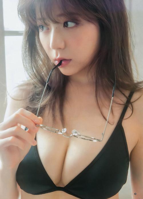 斎藤みらい(25) 大人気モデルのもちもち美乳。