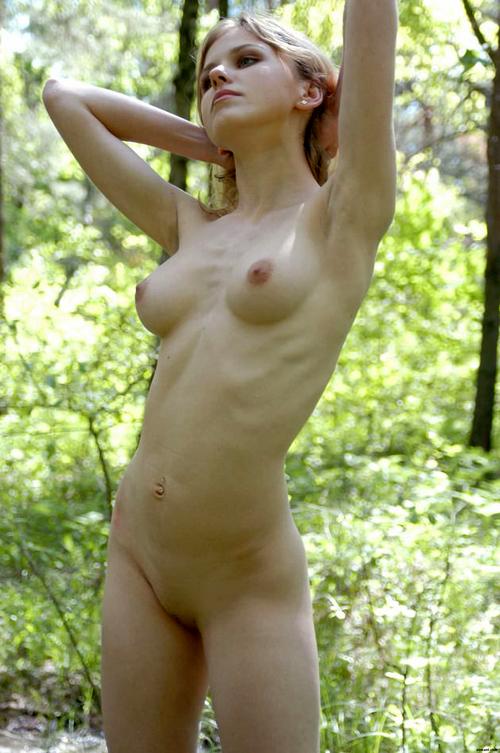 驚くほど可愛くて若い!外国人美少女の全裸画像37枚