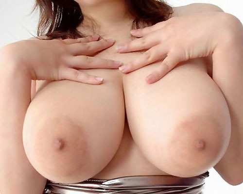 【巨乳エロ画像】デカいだけでステータス!女の子の巨乳ってすばらしいww