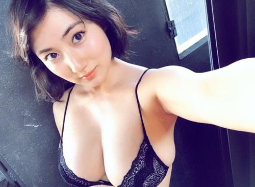 さらにグラマラスになってきた最近の紗綾(23)