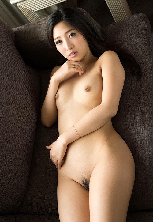 全裸でおっぱいとヘア丸出しの女の子に興奮19