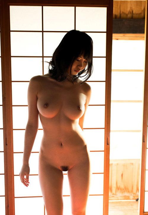 全裸でおっぱいとヘア丸出しの女の子に興奮24