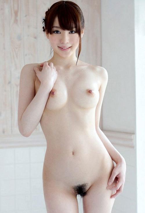 全裸でおっぱいとヘア丸出しの女の子に興奮27