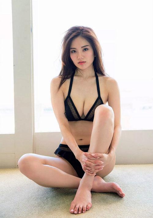 伊東紗冶子のキャスター界ナンバーワンおっぱい5