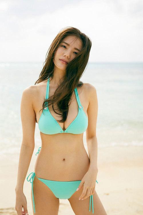伊東紗冶子のキャスター界ナンバーワンおっぱい23
