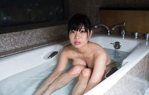 桐谷まつりのHカップ柔らか美巨乳おっぱい 43