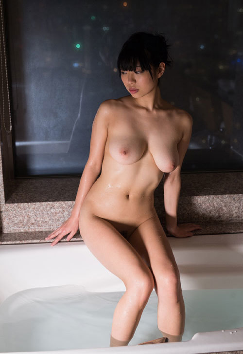 桐谷まつりのHカップ柔らか美巨乳おっぱい 49