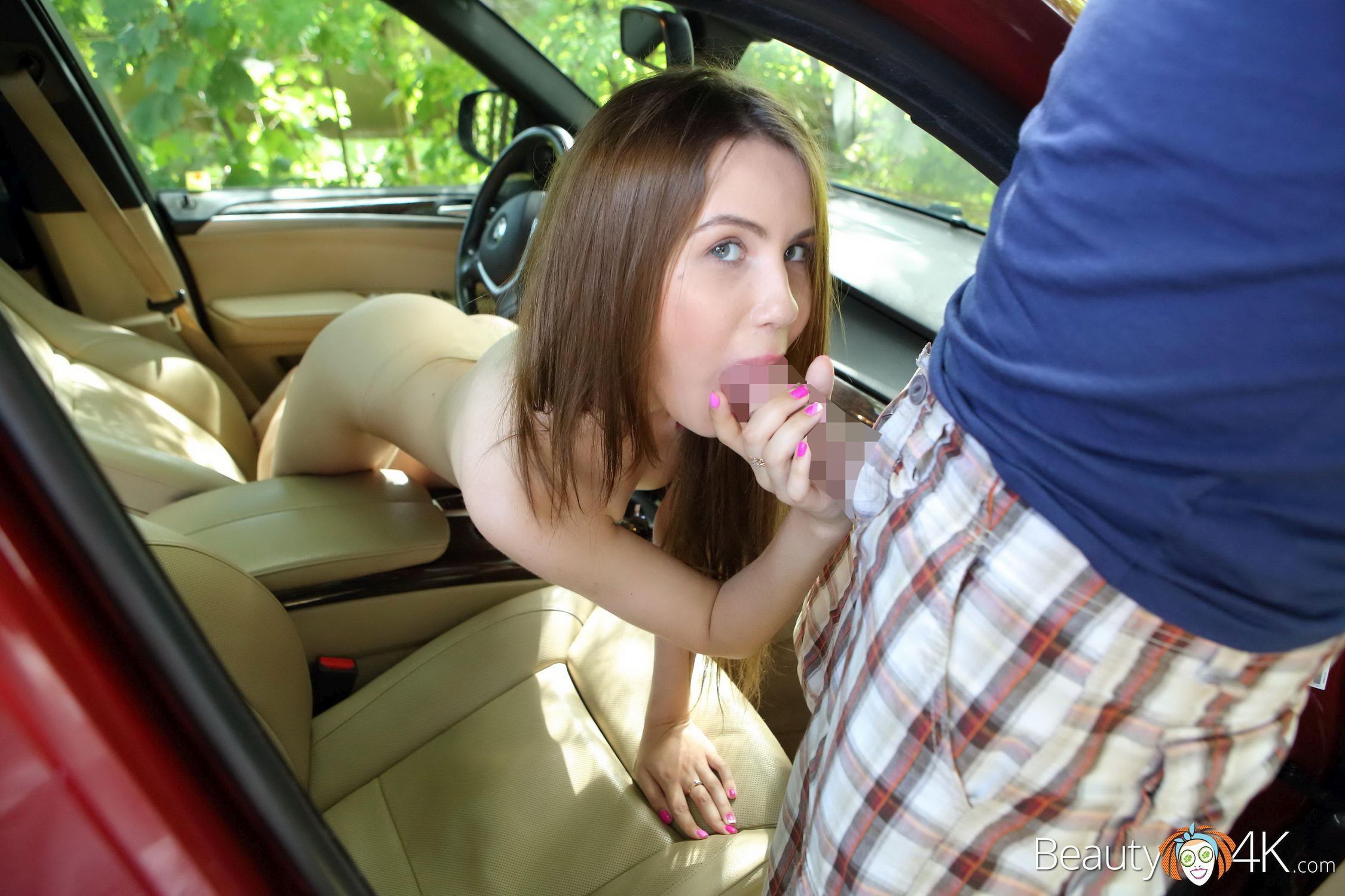 Elle Rose - DRIVE-IN HER PUSSY 01