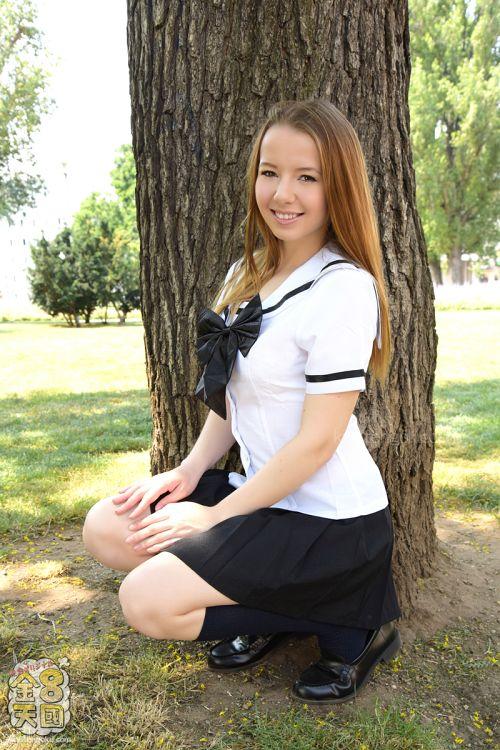 オリビア - 初心で可憐な18歳美少女が衝撃的デビュー DEBUT OLIVIA 03