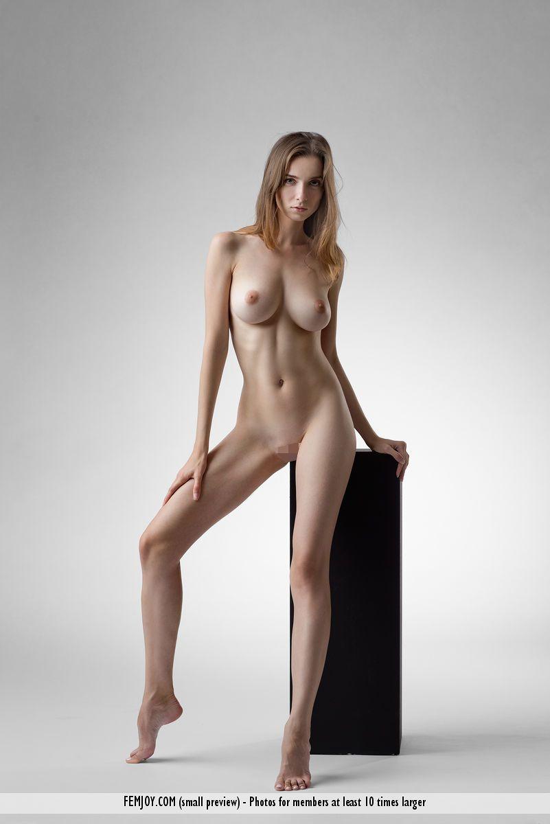 美巨乳、クビレ、美尻、美脚。芸術作品のようなエロくて美しいカラダ!女体美術館に展示してに隅々まで鑑賞したいww