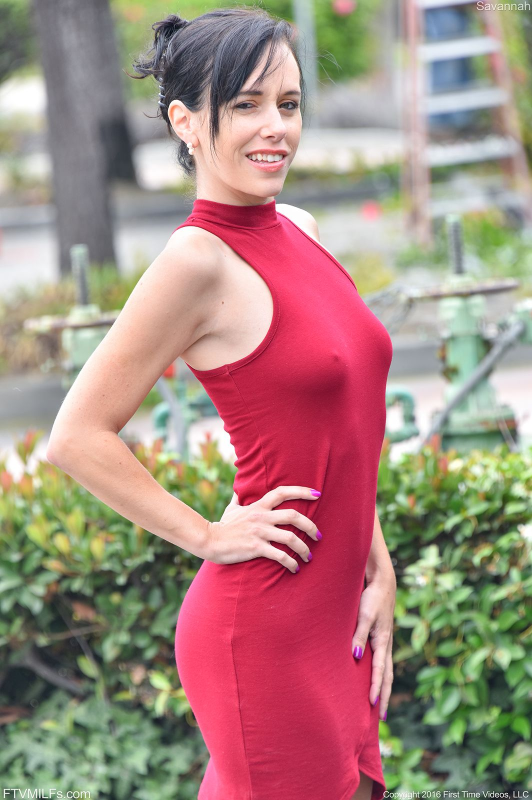 Savannah - LADY IN THE RED DRESS 01