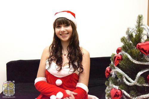 ルナ - 大量に潮を吹きまくる潮吹きエロ可愛サンタ MERRY CHRISTMAS VOL1 LUNA RIVAL 01