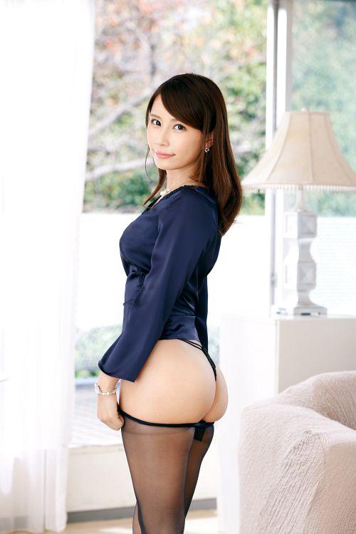 香織 27歳 モデル 02