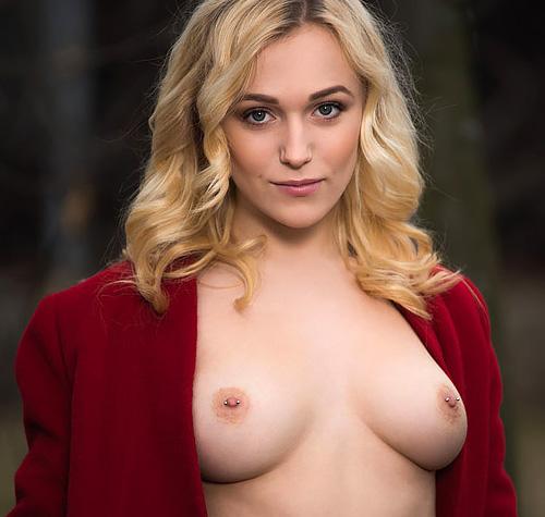 (外人モデルぬーど写真とえろムービー)素肌にコート羽織ってると何故か裸よりヤラシイww モデルなカネ髪姉さんのセックスな姿をご覧くださいwwwwww