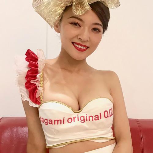 女芸人魔女っこ・伊藤しほ乃のおっぱいがエッチすぎる!90cmGカップであの弾力・・・