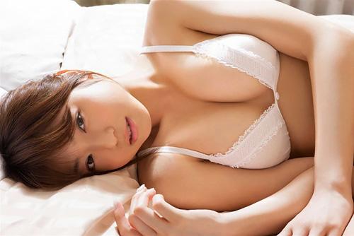 画像☆中村静香のFカップ乳が猛烈に誘惑してくる件wwwwww