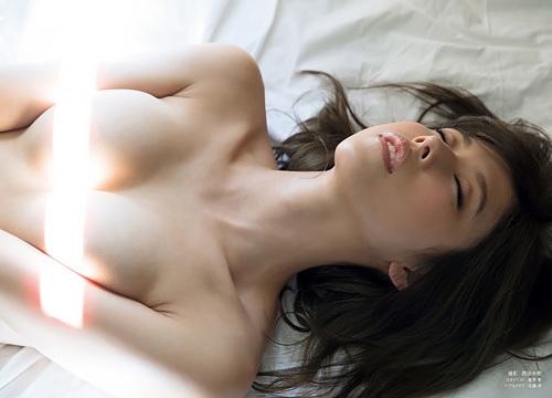 【ヌード】有村架純の姉・新井ゆうこが本名に戻して全裸グラビアを解禁!【エ□画像65枚】