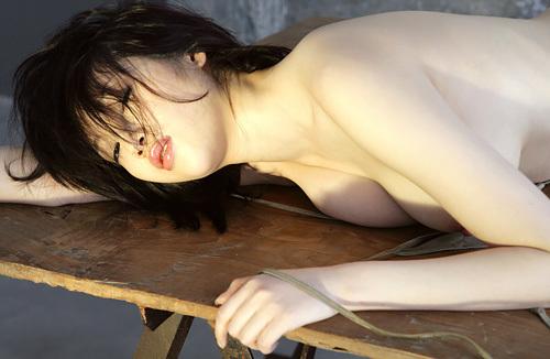 【衝撃】森下悠里(32)のヌード画像www乳首ポロリで丸見えのカットを間違って公開www 画像17枚