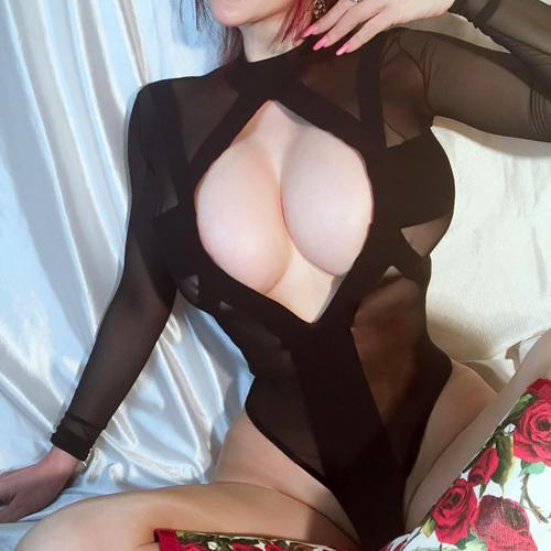 叶美香(48)相変わらず露出コスプレがぐうシコww【エ□画像】