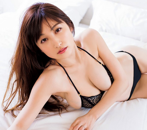 熊田曜子(35) 人妻で子供居るけど、セックスさせてくれるって言ったらヤルだろ?w