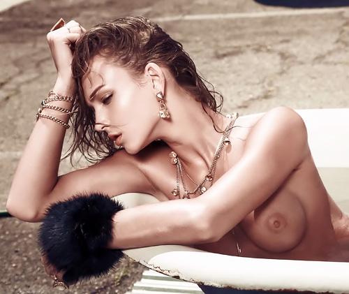 美しいファッションモデル、レイチェル・クックのセクシーなオッパイ画像www