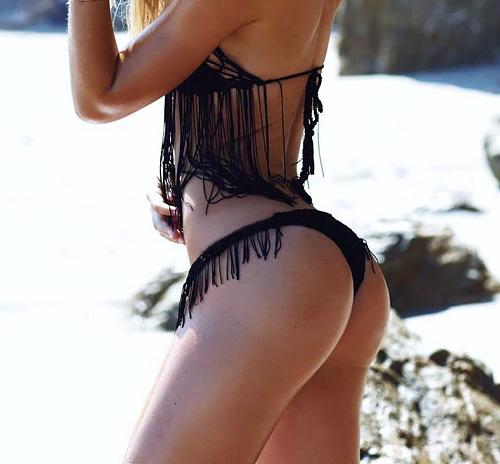 可愛いファッションモデル、Alexis Ren の乳首チラリGIF画像やキュートなヒップ画像www