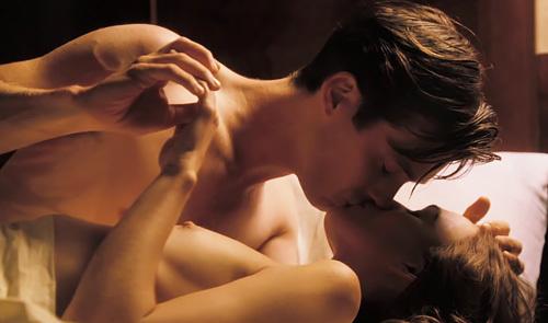 女優のキーラ・ナイトレイのチクビがちょっとえろいぬーどシーンのムービーwwwwww