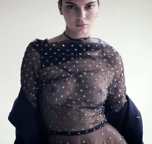 人気ファッションモデル、ケンダル・ジェンナーの透け乳首動画www