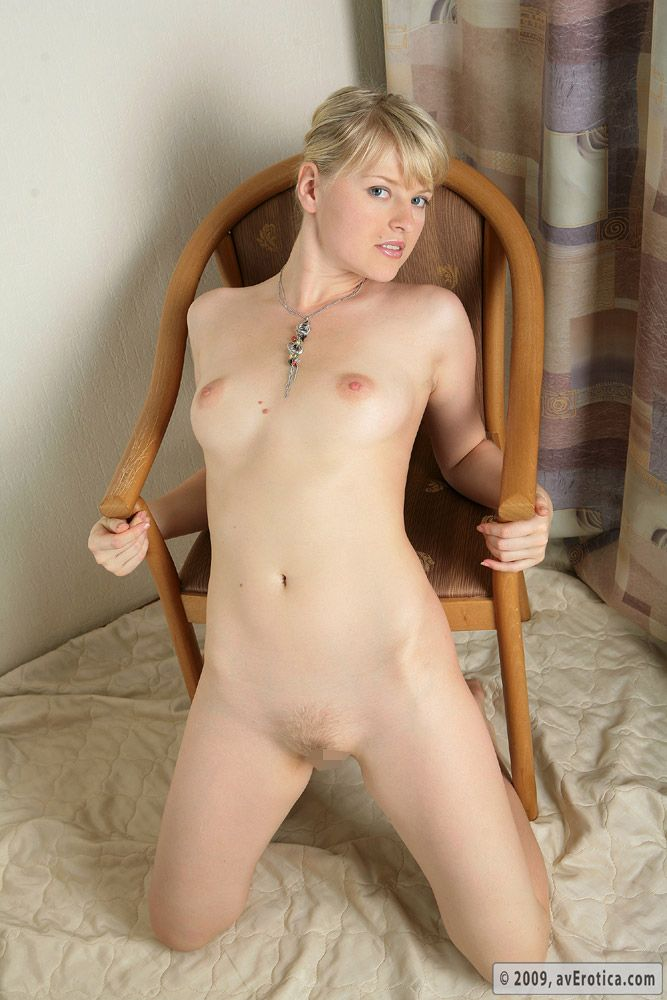 Nikki - NUDE ON CHAIR 01