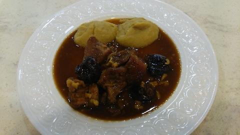 豚のソテー プルーンとハチミツ風味 さつまいものピュレ