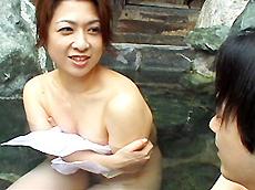 【無修正】温泉旅行~三十路熟女の母のような優しさ~ 上杉佳代子