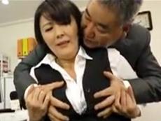 キレイな人妻熟女動画 :会社の上司と寝てるのを息子に見られ、禁断の母子相姦に発展w 円城ひとみ