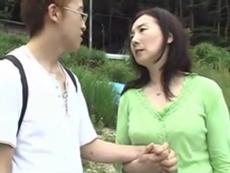 ダイスキ!人妻熟女動画 :息子との最後の夜を温泉旅行でセックスを堪能する五十路母 椿美羚