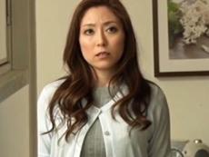 キレイな人妻熟女動画 :冷たく相手にしてくれない旦那と違って、その部下の巨根の虜になる美熟妻! 白木優子
